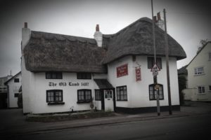 Old Lamb Inn, Theale, Reading. Haunted Pub ghost hunt, thatched roof