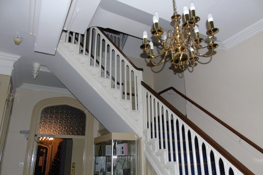 ryecroft hall staircase, ghost hunt in manchester