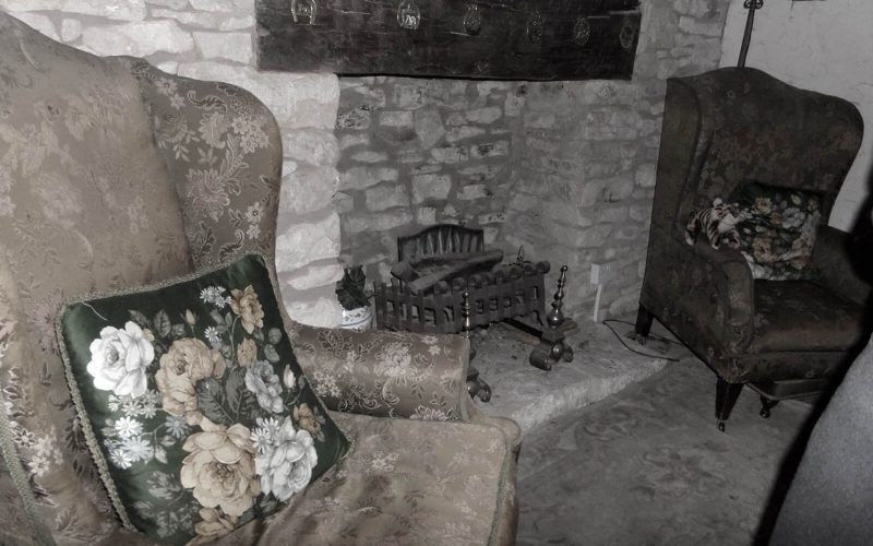 Ancient Ram Inn fireplace