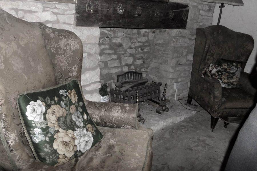 Ancient Ram Inn fireplace
