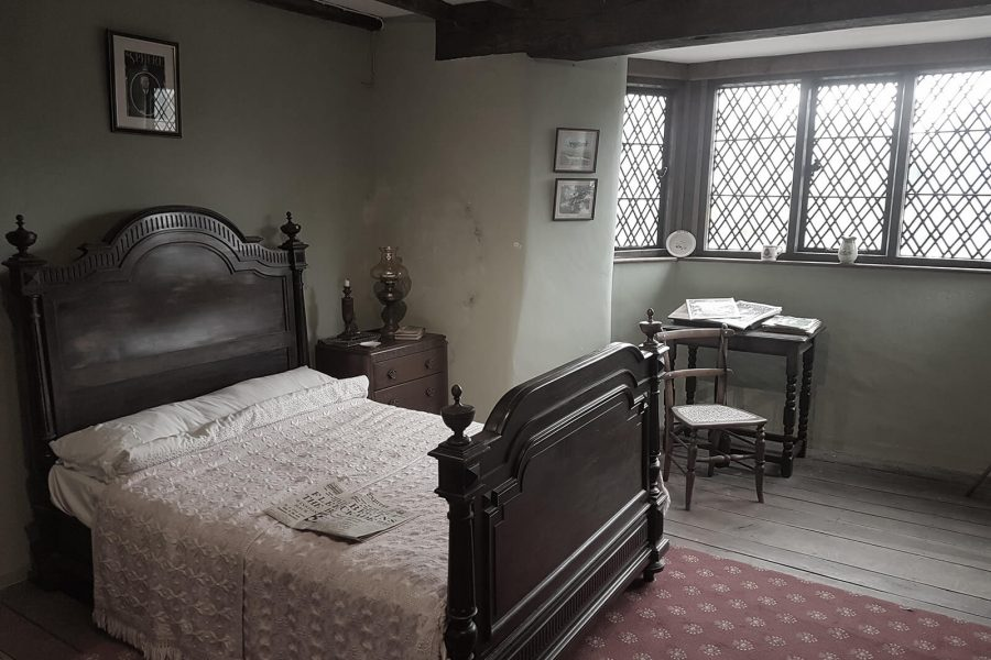 Haden Hill Hall double bed