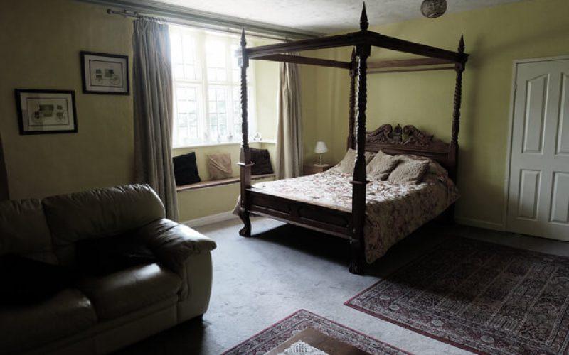 Skirrid Inn four poster bed